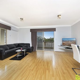Homebush 2 bed unit bright and airy