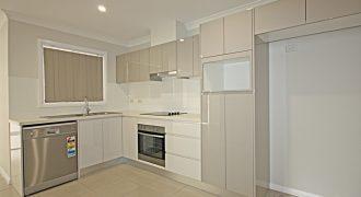 North Ryde granny flat 2 beds 1 bath 1 car