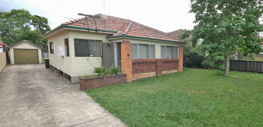 Westmead house 3 beds 1 bath for rent