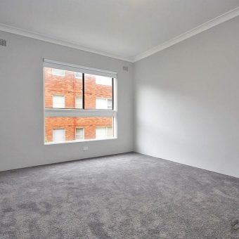Drymmoyne 2 bedroom unit with garage