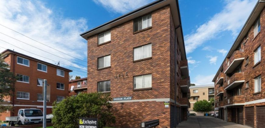 Mascot renovated 2 bed unit with garage